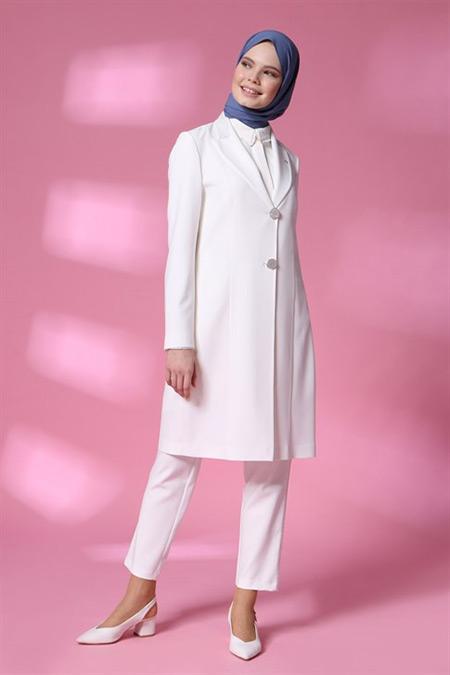 Armine Beyaz Ceketli Takım