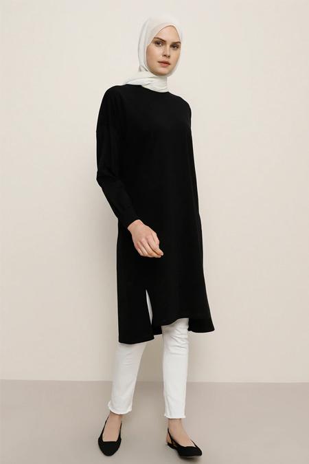 Everyday Basic Siyah Doğal Kumaşlı Yırtmaç Detaylı Tunik