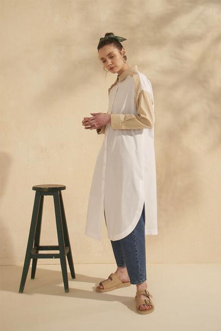 HE-QA Beyaz Omuzu Aller Detaylı Tunik