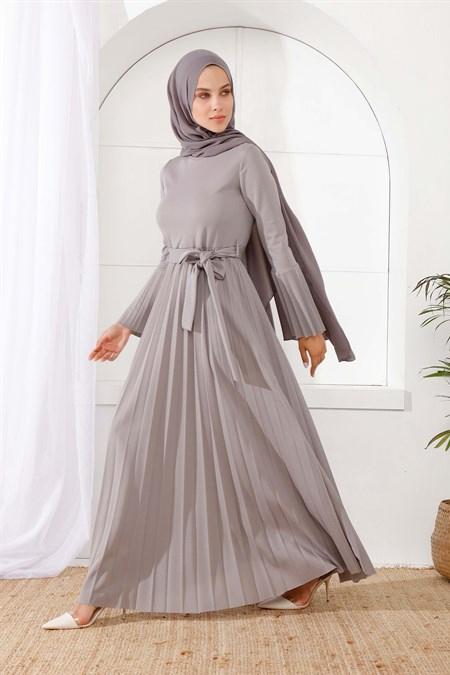 İnşirah Gri Piliseli Elbise