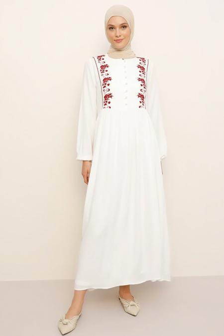 Refka Beyaz Bordo Doğal Kumaşlı Nakış Detaylı Elbise