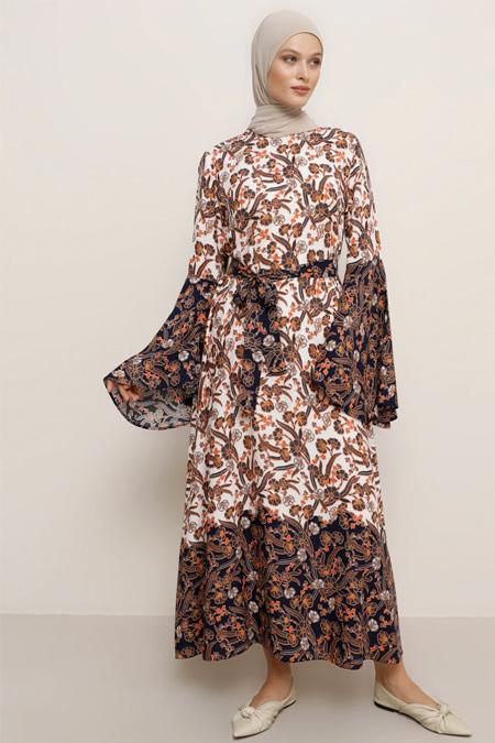 Refka Lacivert Ekru Doğal Kumaşlı Çiçek Desenli Elbise