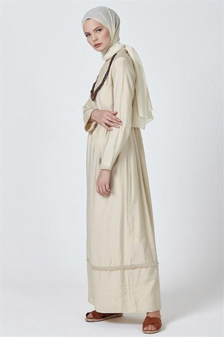 Armine Bej Kolye Aksesuarlı Elbise