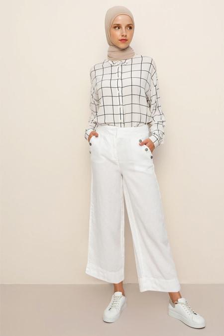 Benin Beyaz Doğal Kumaşlı Cep Detaylı Pantolon