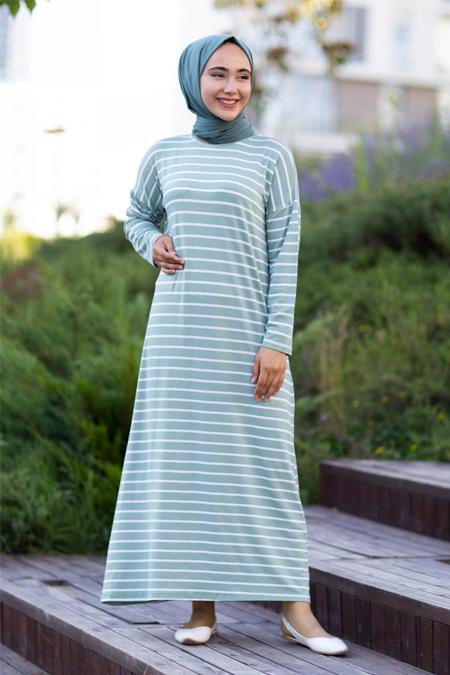 Su Yeşili Çizgili Tesettür Elbise