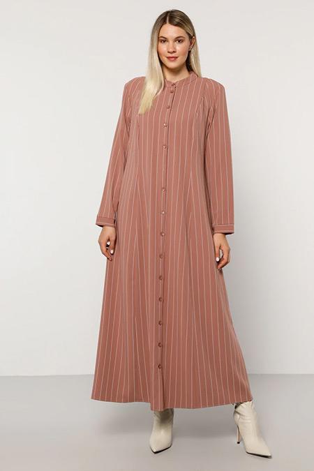 Alia Gül Kurusu Taş Boydan Düğmeli Çizgili Elbise