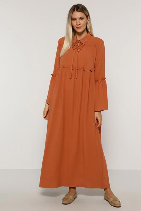 Alia Tarçın Yakası Bağlamalı Elbise