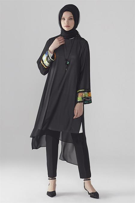 Zühre Siyah-Ekru Pul Payet Detaylı Tunik