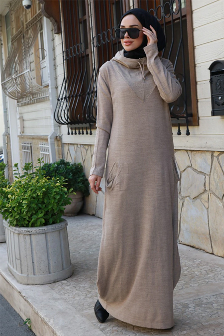Neways Bej Kapüşonlu Triko Elbise