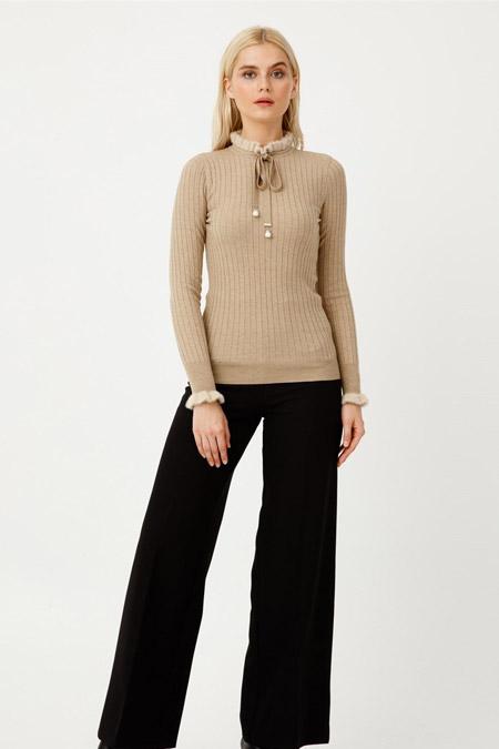 Tığ Triko Bej Yaka Ve Kol Detaylı Triko Bluz