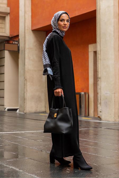 Refka Siyah Fırfır Detaylı Balıkçı Yaka Triko Elbise
