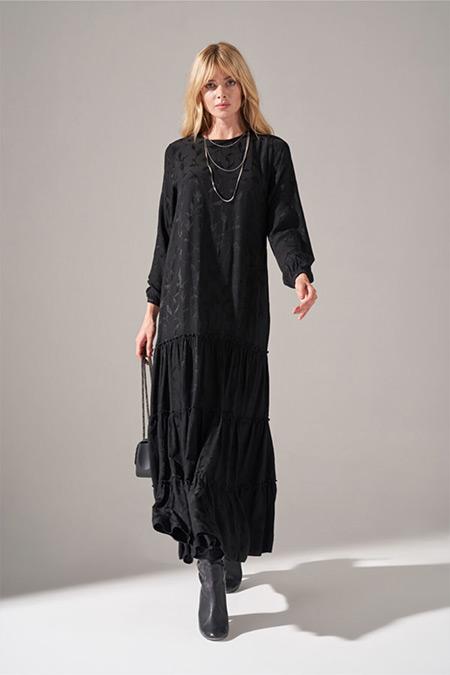 Mizalle Siyah Alt Etek Fırfırlı Elbise