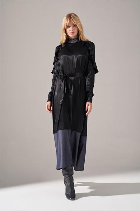 Mizalle Siyah Denim Detaylı Saten Elbise