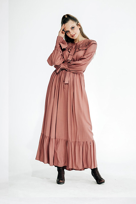 She Sea Pudra Viskon Plise Yakalı Maxi Boy Elbise