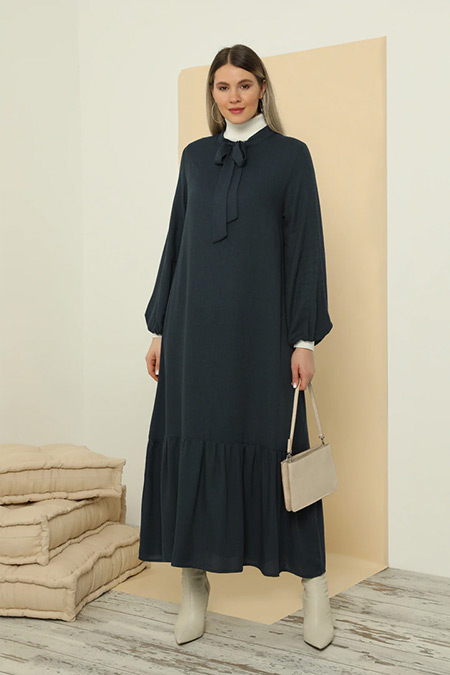 Alia Lacivert Yakası Bağcıklı Hacimli Elbise