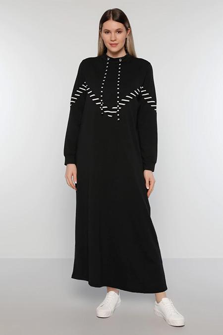 Alia Siyah Beyaz Doğal Kumaşlı Yakası Kuş Gözü Detaylı Elbise
