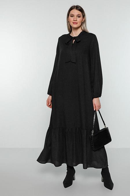 Alia Siyah Yakası Bağcıklı Hacimli Elbise
