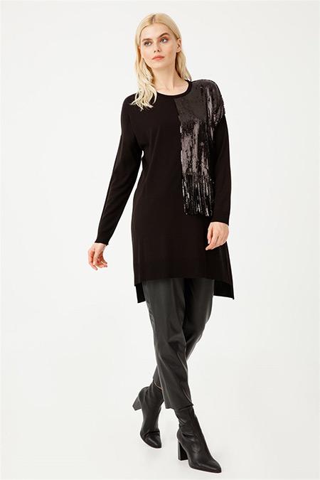 Tığ Triko Siyah Payet Detaylı Önü Kısa Triko Tunik