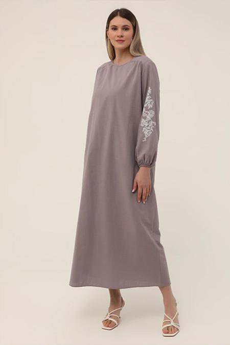 Alia Lila Büyük Beden Doğal Kumaşlı Nakış Detaylı Elbise