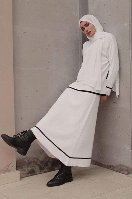 BRTC Design Beyaz Şeritli Triko Takım