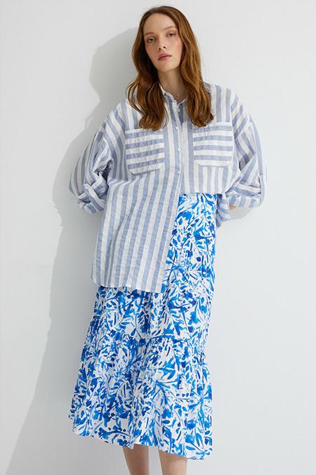 Koton Skirtly Yours Styled by Melis Ağazat Mavi Çizgili Gömlek