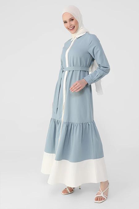 Refka Derin Mavi Beyaz Kemerli Garnili Eteği Volanlı Elbise