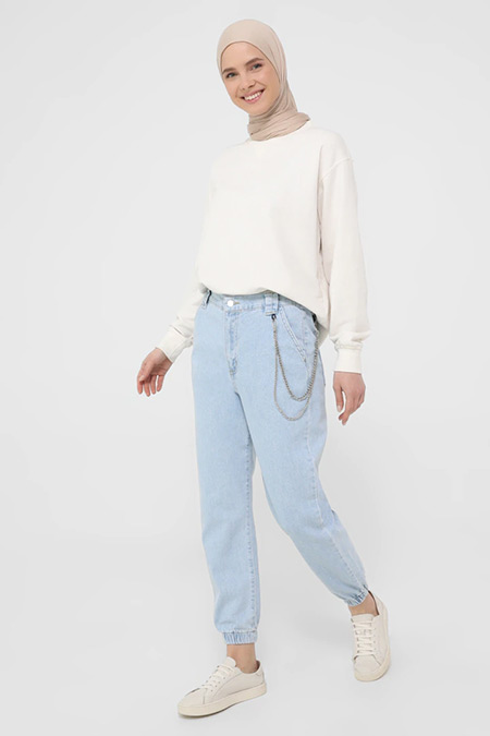 Benin Buz Mavi Doğal Kumaşlı Zincir Detaylı Kot Pantolon
