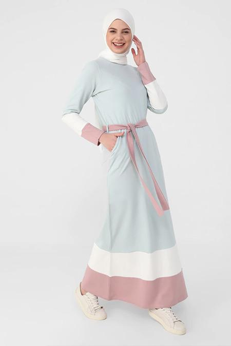 Benin Gök Mavi Beyaz Derin Pembe Doğal Kumaşlı Renk Bloklu Kuşaklı Elbise
