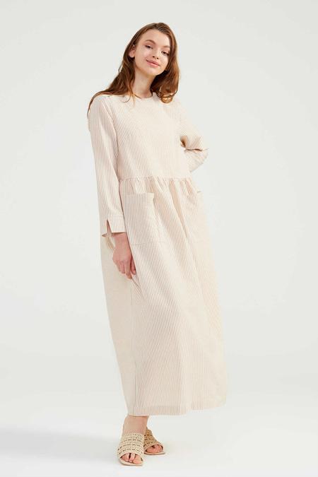 Normcore Bej Doğal Kumaşlı Gofi Elbise