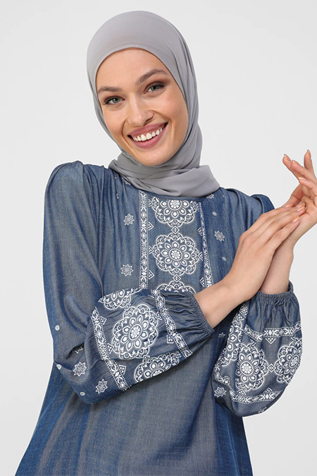 Refka Bej İndigo Kol Uçları Lastikli Desenli Elbise