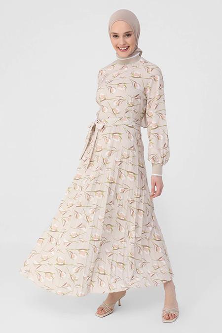 Refka Bej Piliseli Çiçek Desenli Yaka Ve Kol Detaylı Elbise