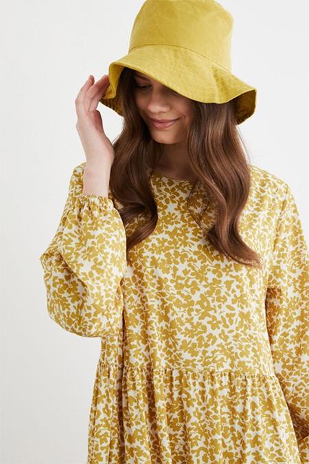 Terzi Dükkanı Sarı Pera Çiçek Desen Kat Kat Elbise