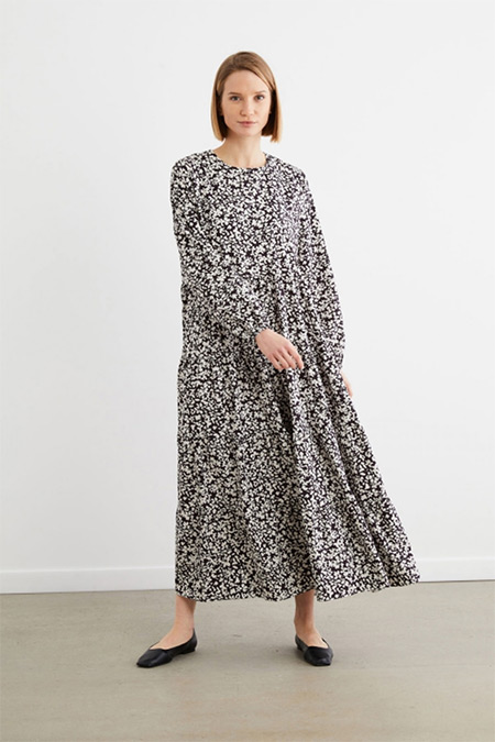 Terzi Dükkanı Siyah Pera Çiçek Desen Kat Kat Elbise