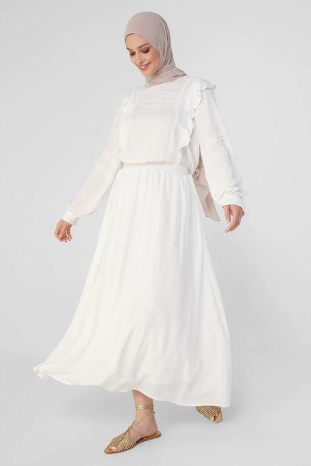 Refka Beyaz Dantel Şeritli Rahat Kesim Elbise