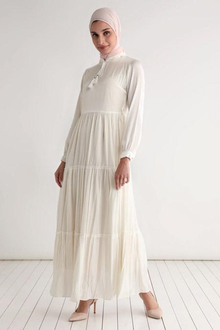 Tavin Krem Püskül Detaylı Astarlı Elbise