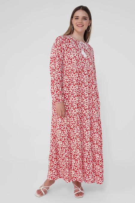 Alia Kırmızı Büyük Beden Doğal Kumaşlı Püskül Detaylı Desenli Elbise