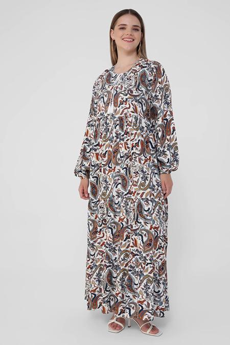 Alia Mavi Beyaz Büyük Beden Doğal Kumaşlı Püskül Detaylı Desenli Elbise