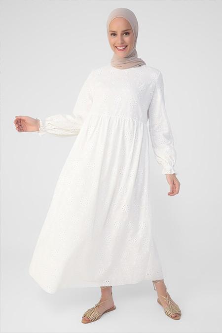 Refka Beyaz Doğal Kumaşlı Nakış Detaylı Astarlı Elbise