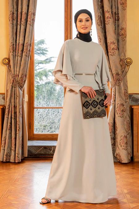 Özlem Süer X Refka Gri Volan ve Taş Şerit Detaylı Abiye Elbise