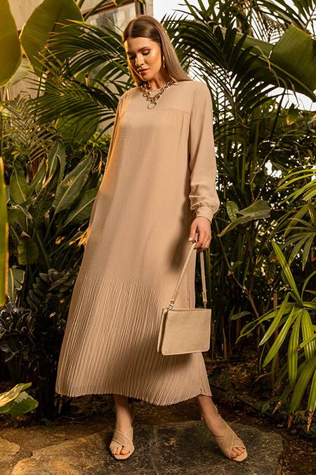 Alia Bej Büyük Beden Pilise Detaylı Elbise