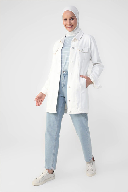 Benin Beyaz Cep Detaylı Kot Ceket