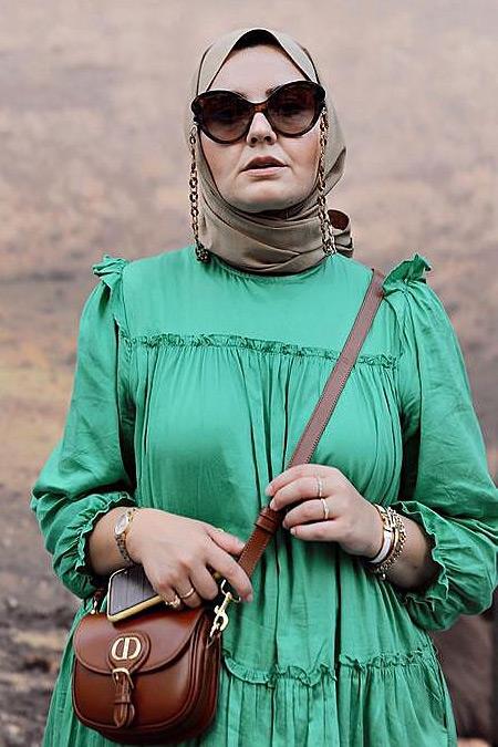 Merve Dağlı Yeşil Büzgü Detaylı Poplin Elbise