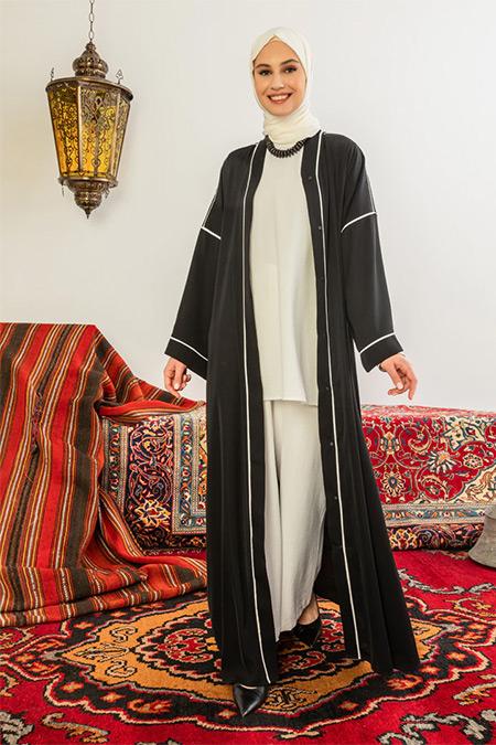 Nuum Design Siyah Biye Detaylı Abaya