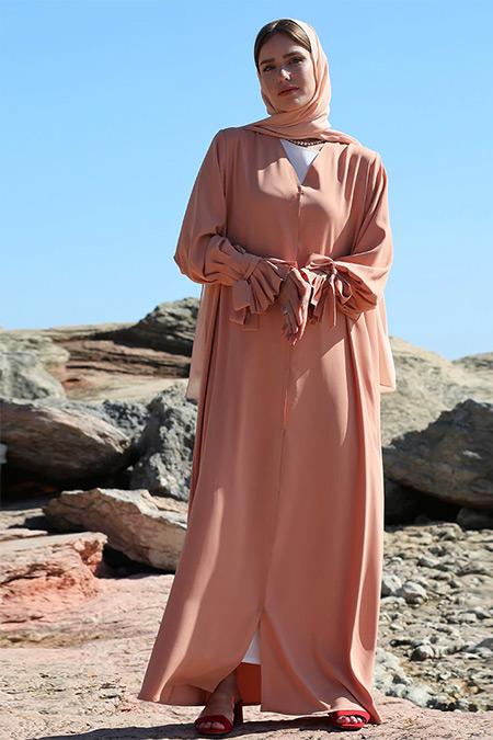 Nuum Design Turuncu Pilili Kol Detaylı Abaya
