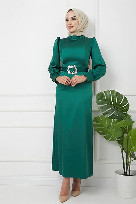 Olcay Yeşil Kolu Büzgü Detaylı Taşlı Tokalı Saten Abiye Elbise