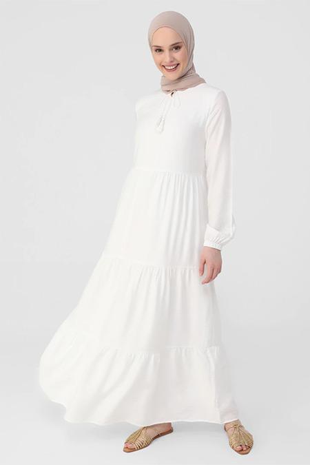 Refka Beyaz Püskül Detaylı Kat Kat Astarlı Elbise