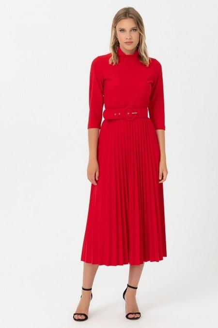 Seçil Kırmızı Dik Yakalı Eteği Pliseli Elbise