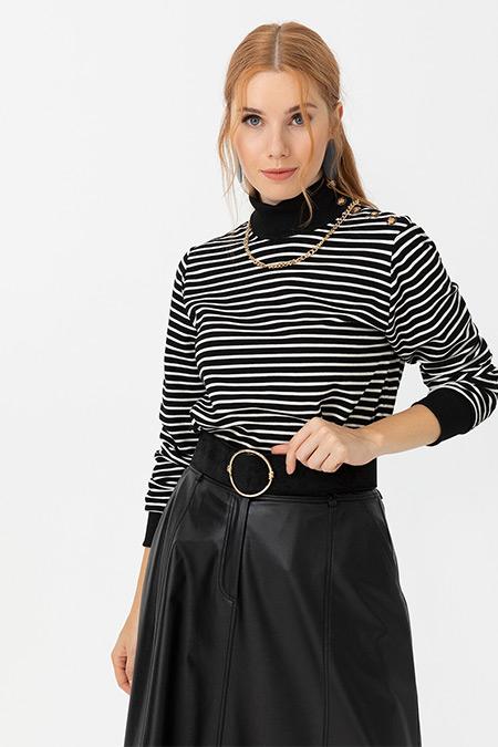 Seçil Siyah Çizgi Desenli Dik Yakalı Swatshirt