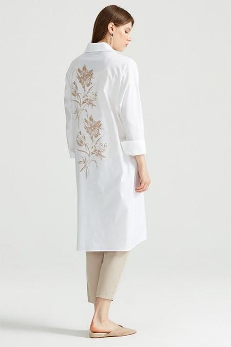 Tığ Triko Ekru Sırtı Çiçek Baskılı Gömlek