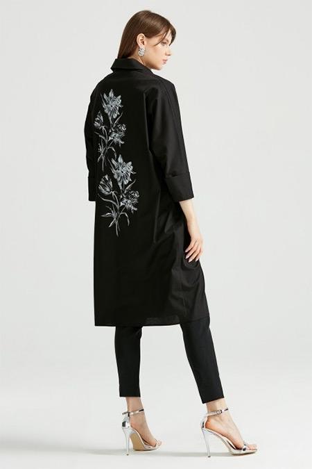 Tığ Triko Siyah Sırtı Çiçek Baskılı Gömlek